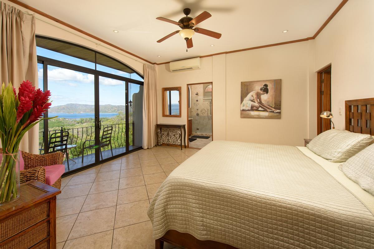 Luxury homes in Incredible ocean views in playa flamingo