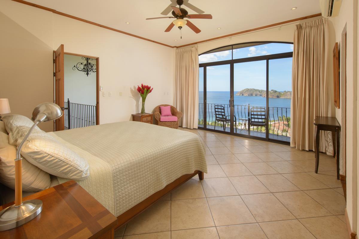 Mansions in Incredible ocean views in playa flamingo