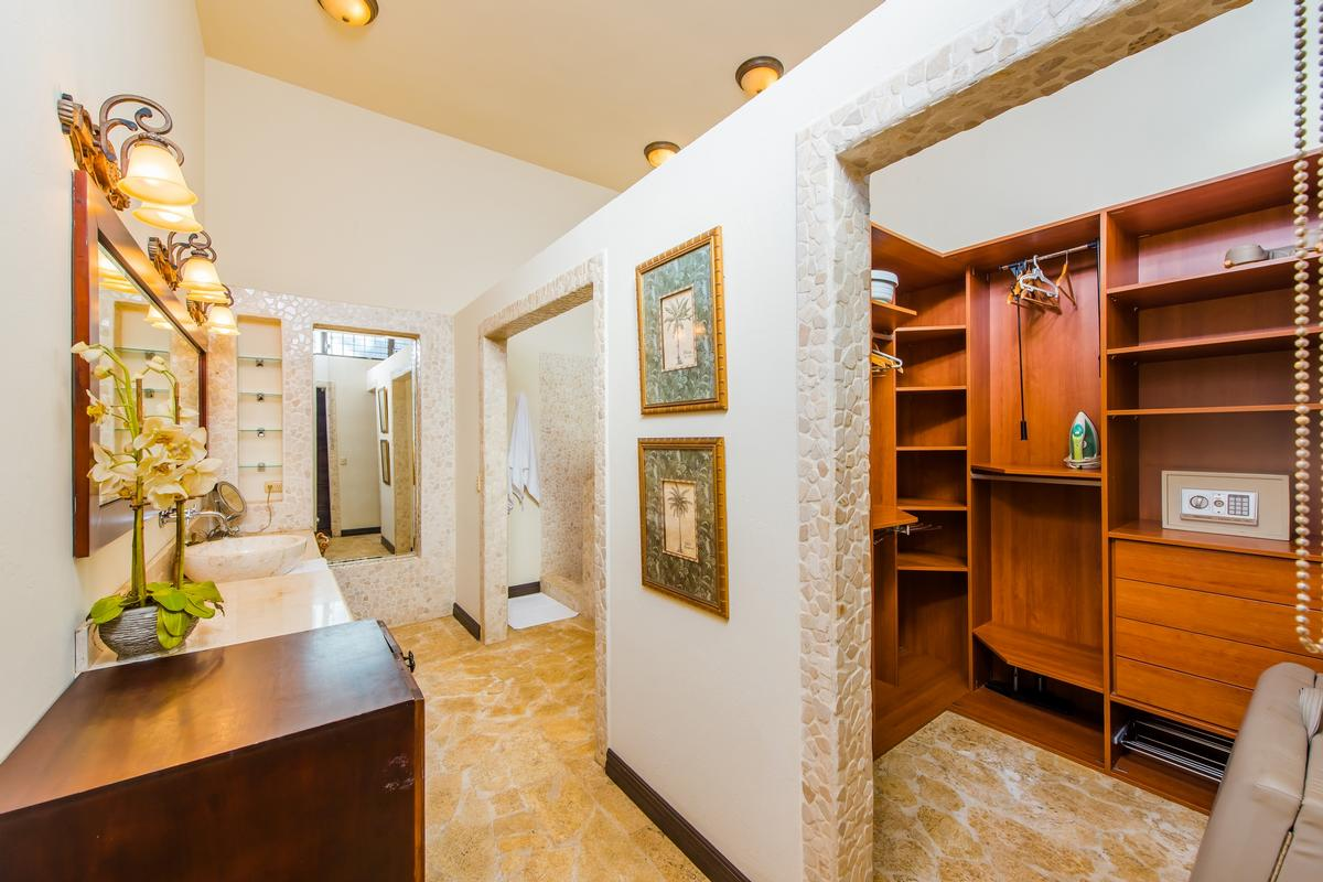 Luxury real estate Casa Copacabana