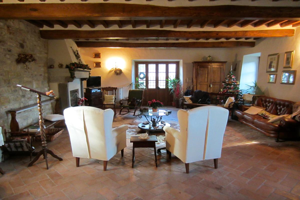 Frateria of 1600 in the Florentine hills luxury real estate