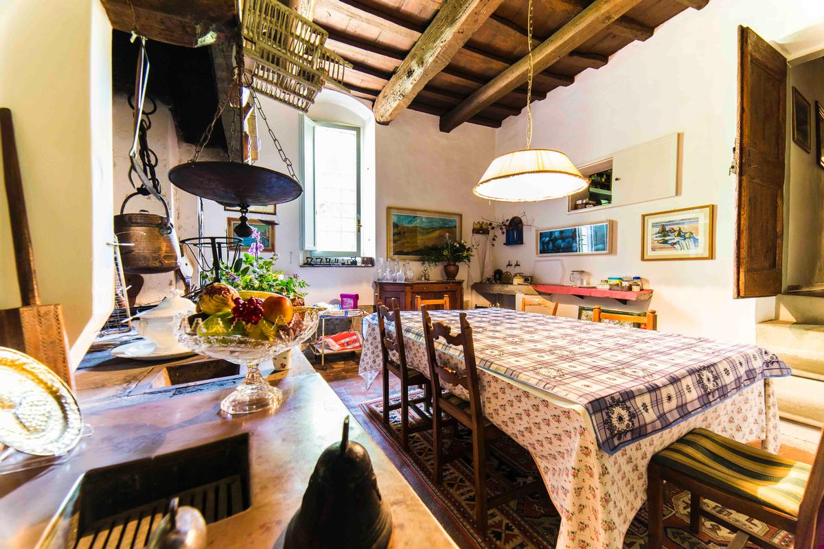 Luxury real estate 15th century villa in the south hills of florence