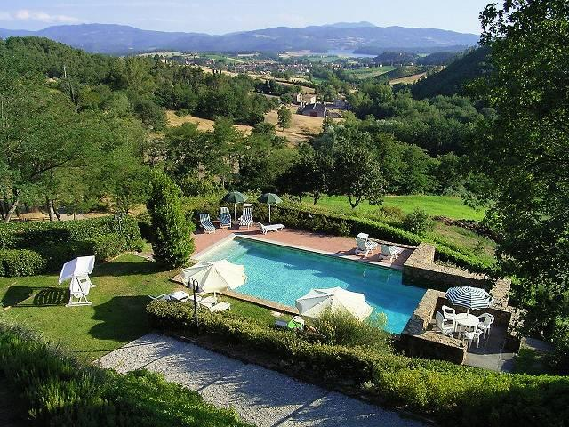 Little hamlet on Mugello hills luxury homes