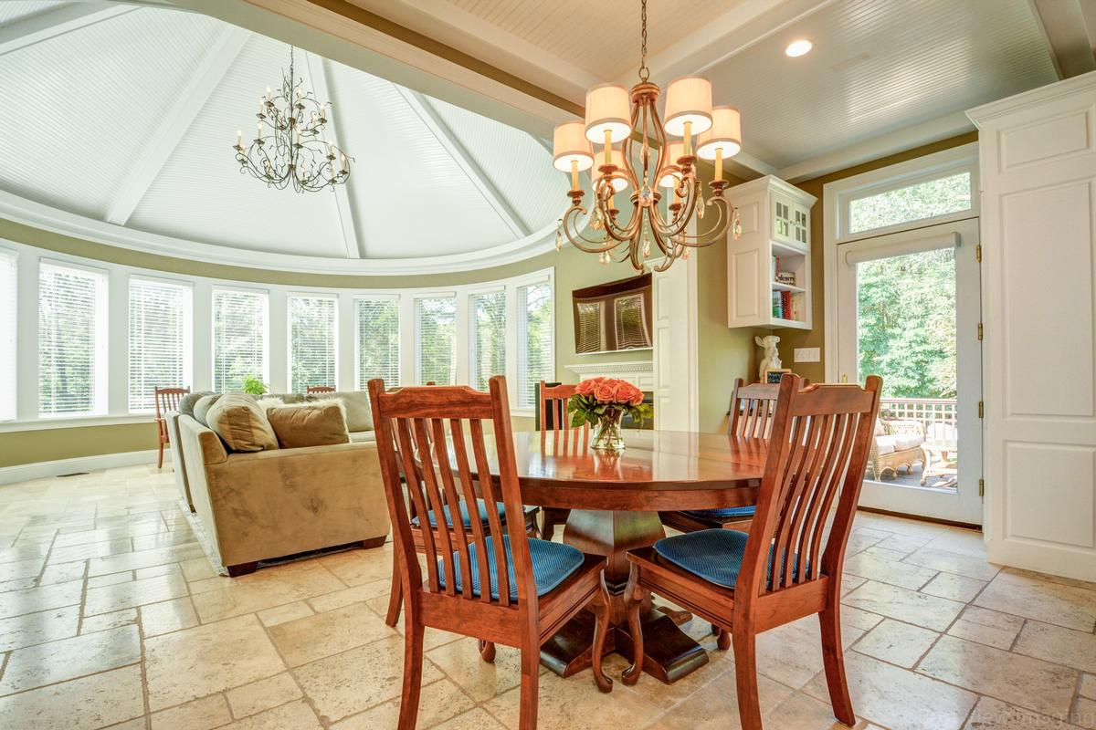 colonial home in Multi-acre estate setting luxury real estate