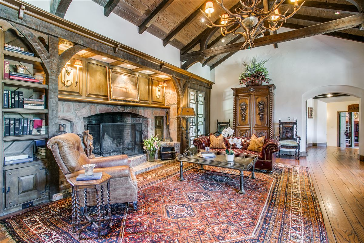 Luxury properties One-of-a-kind Charles Dilbeck home