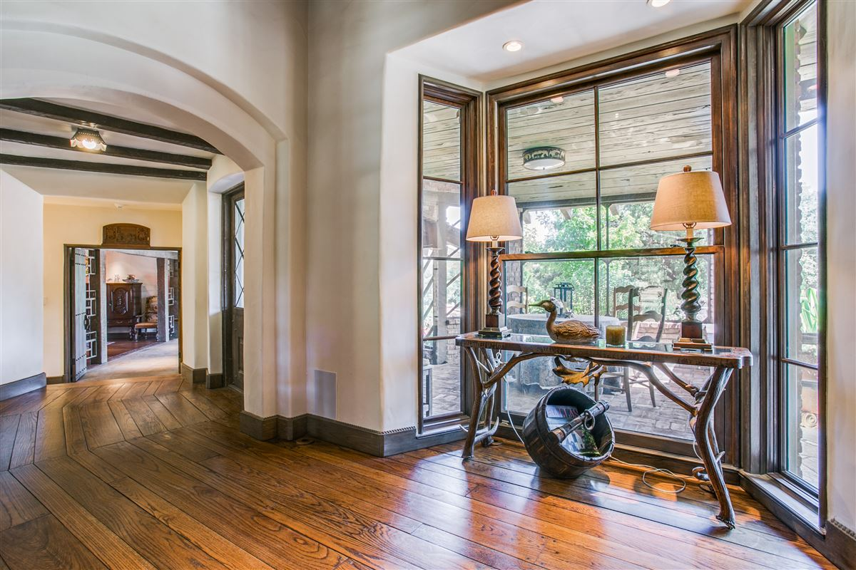 One-of-a-kind Charles Dilbeck home luxury properties