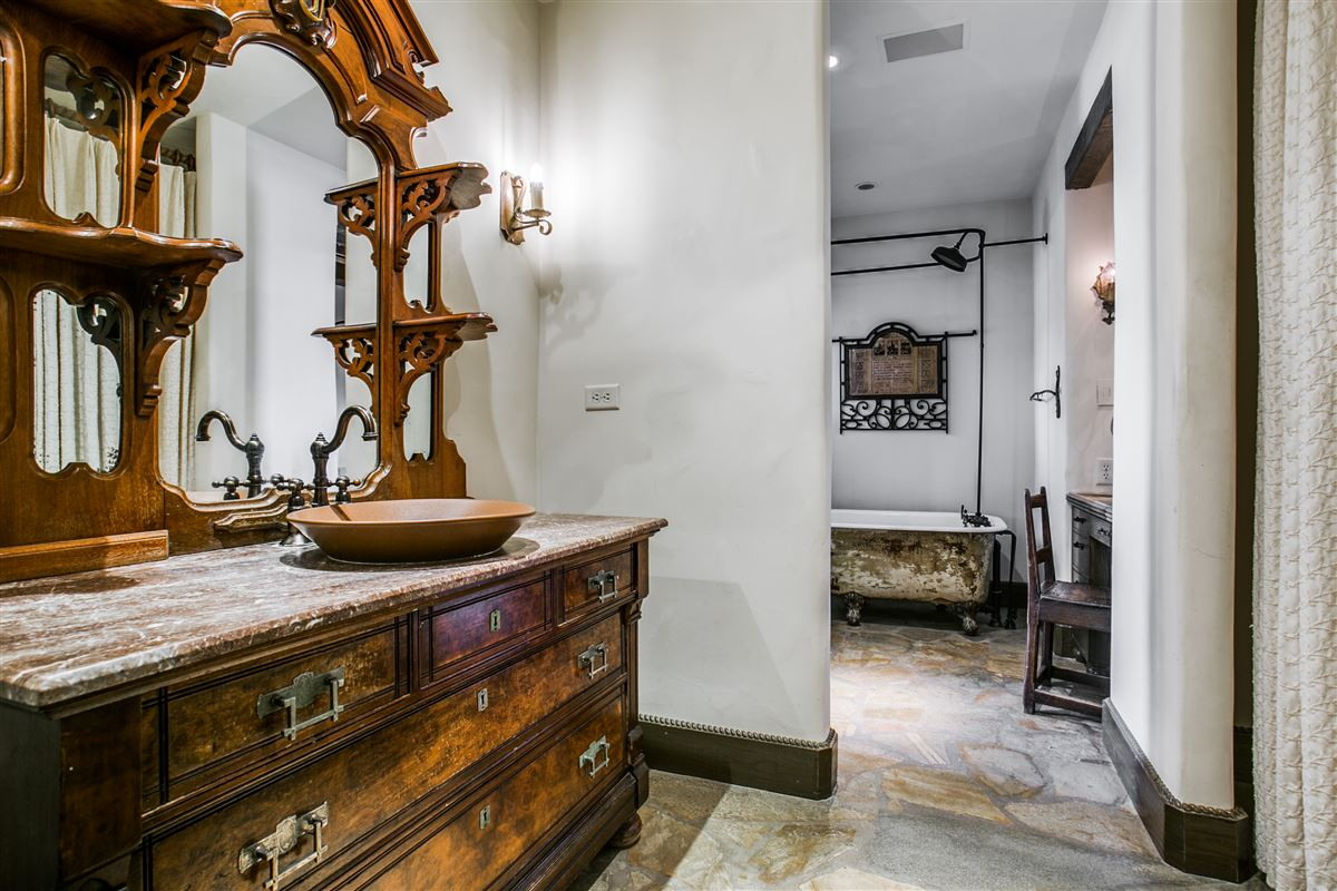 Mansions One-of-a-kind Charles Dilbeck home
