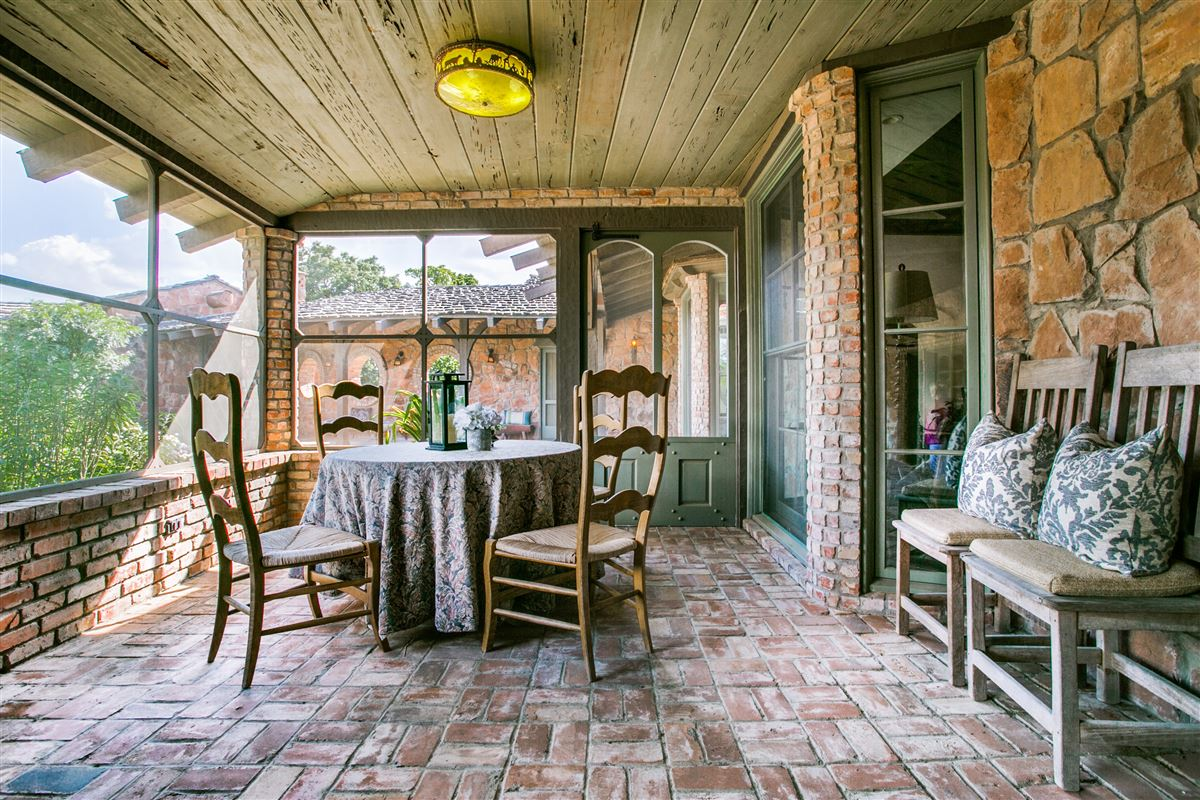 One-of-a-kind Charles Dilbeck home mansions