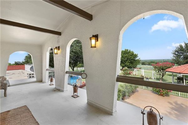 Mansions in Southern Cross Ranch