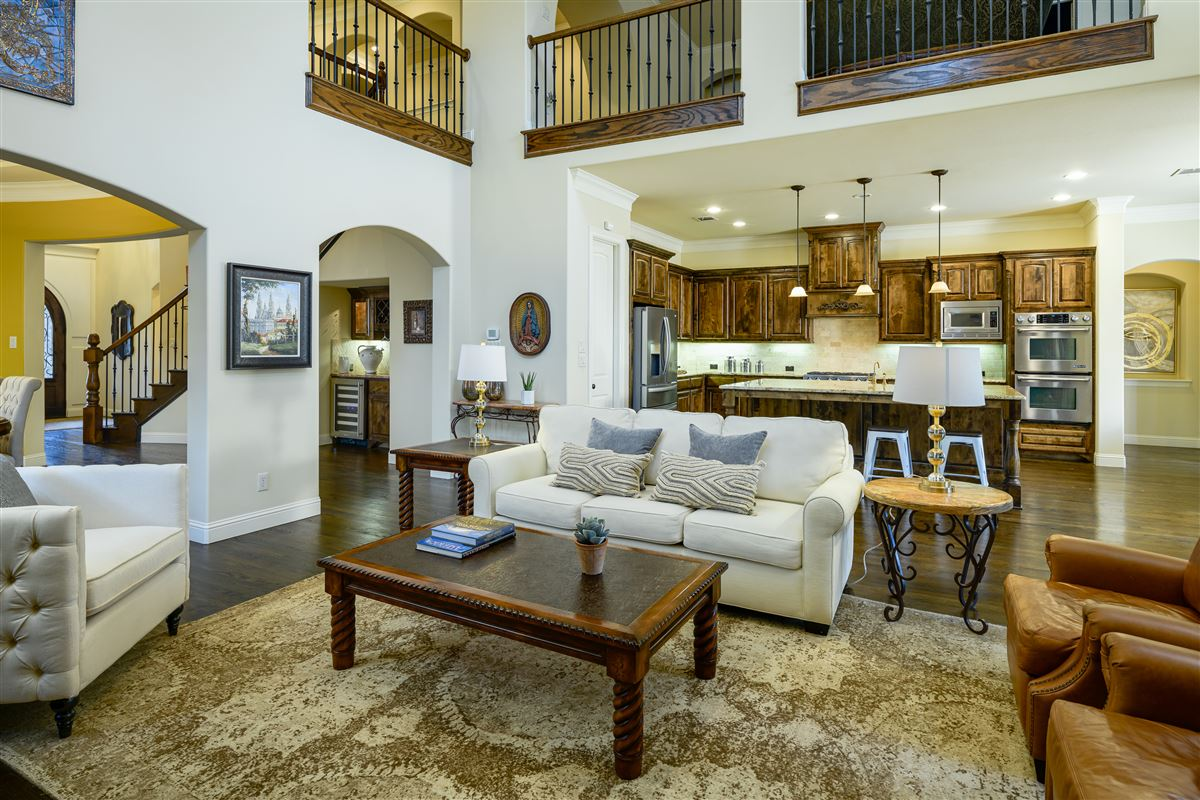 Luxury homes sophisticated 5 bed home