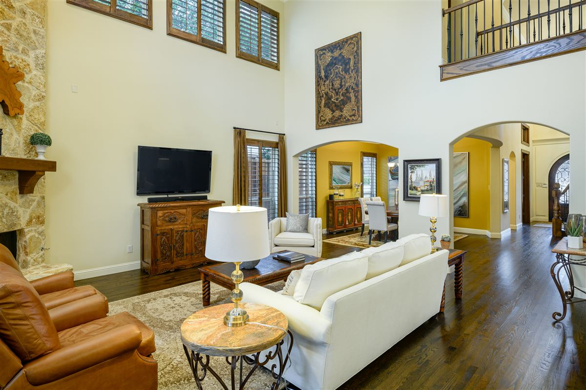 Luxury real estate sophisticated 5 bed home