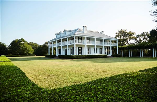 Luxury homes Stately Manor Home