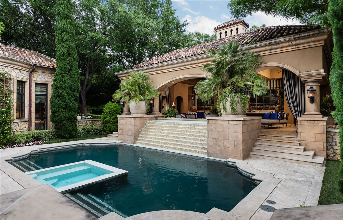 Mansions in exquisite home in exclusive gated Los Arboles Community