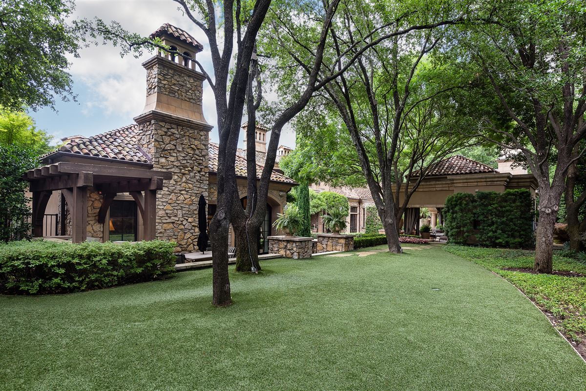 Luxury real estate exquisite home in exclusive gated Los Arboles Community