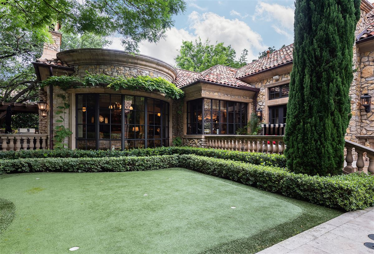 exquisite home in exclusive gated Los Arboles Community luxury properties