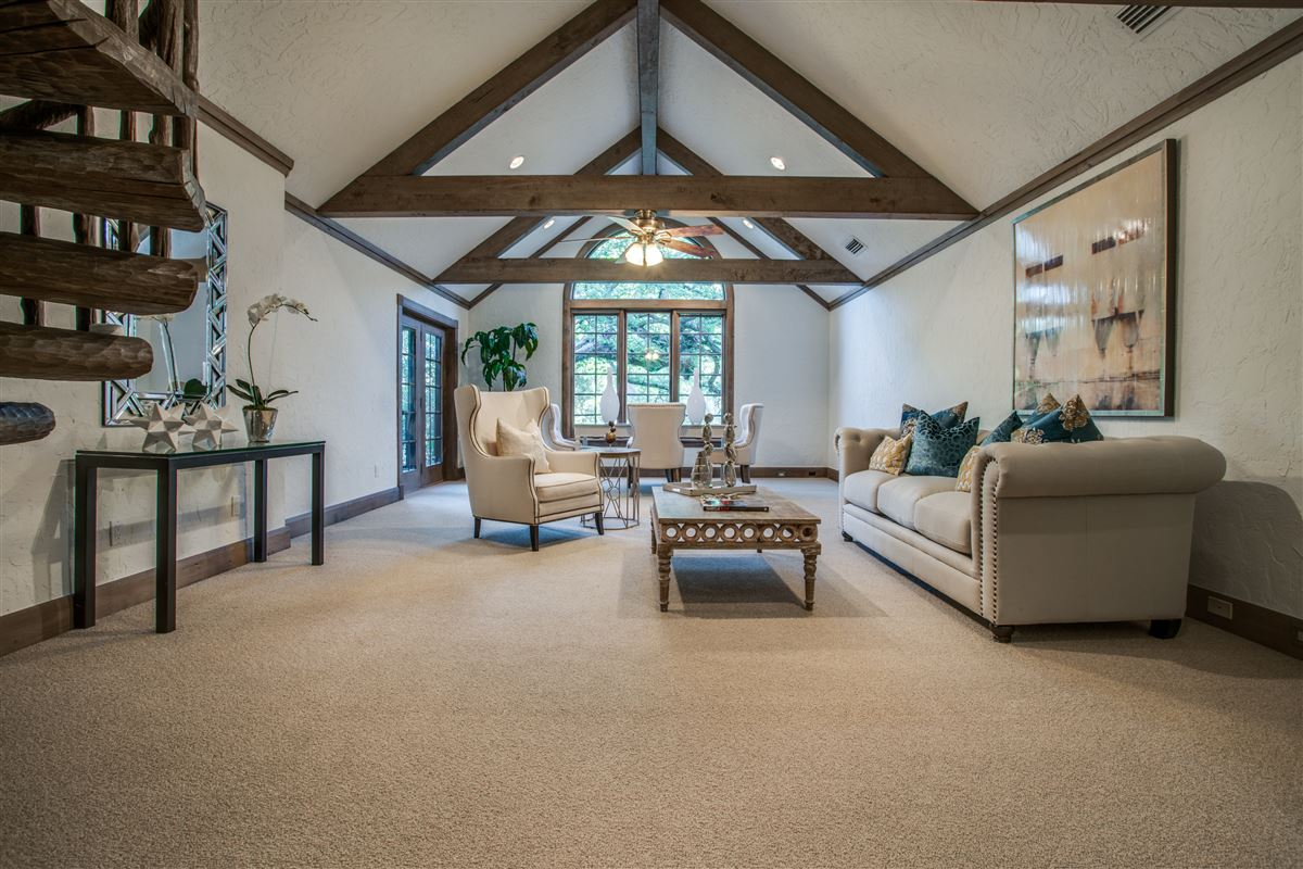 Grand Home in a Quiet Location in Preston Hollow mansions