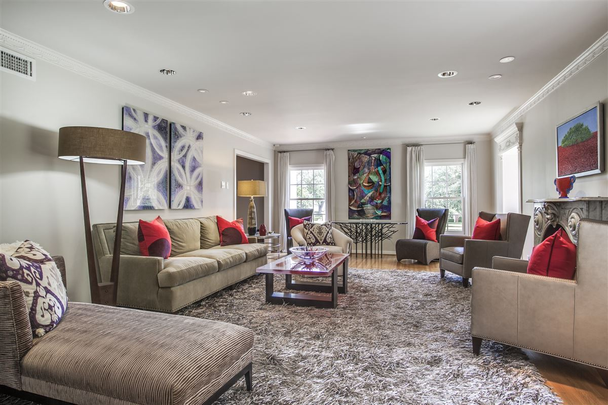 Luxury homes Immaculate Williamsburg home on quiet road