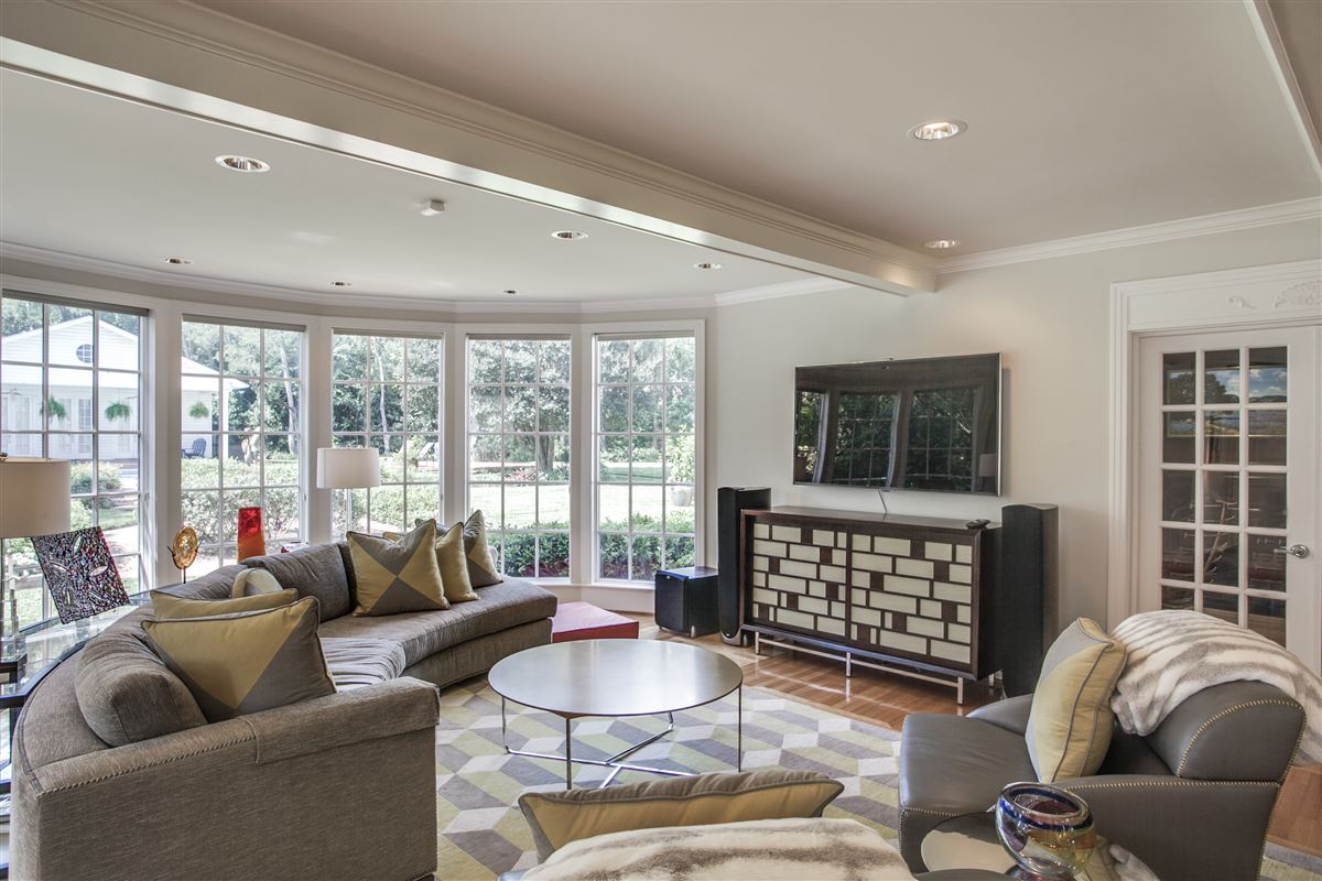 Luxury real estate Immaculate Williamsburg home on quiet road