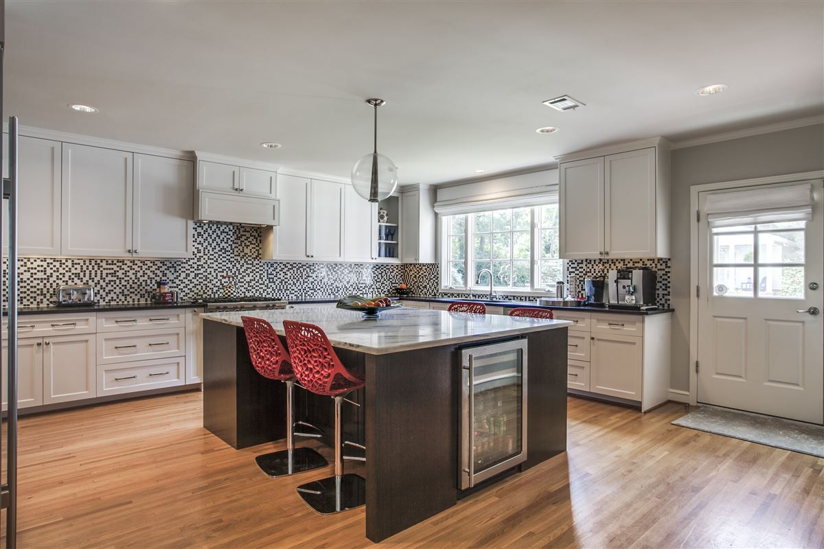 Immaculate Williamsburg home on quiet road luxury properties