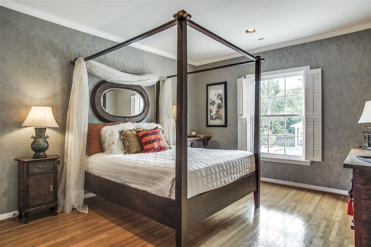 Immaculate Williamsburg home on quiet road luxury real estate