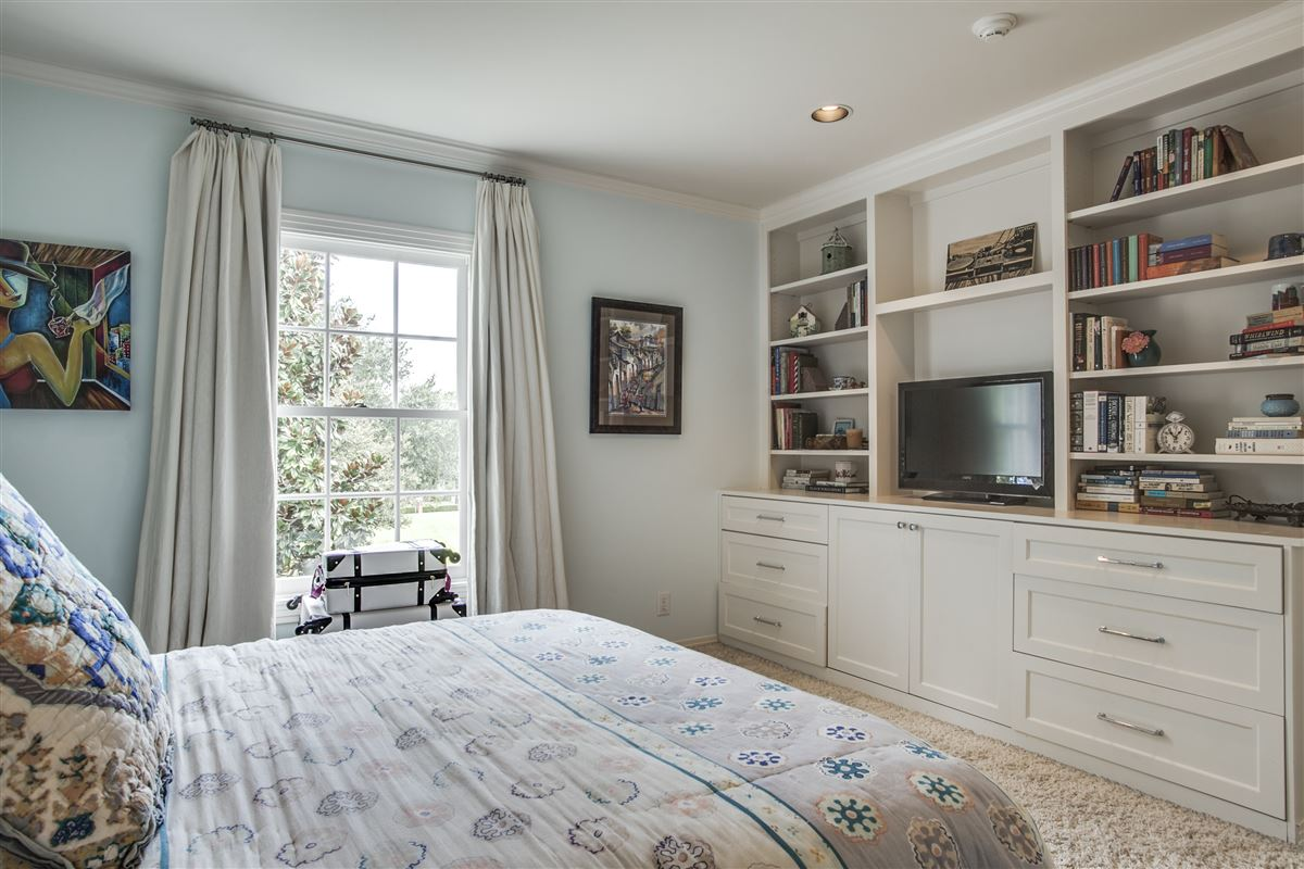 Luxury properties Immaculate Williamsburg home on quiet road
