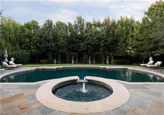 Luxury homes exceptionally detailed home in sunnybrook estates
