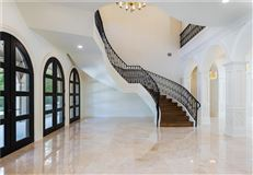 Mansions in grand and immaculate luxury residence