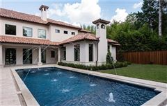 Mansions grand and immaculate luxury residence