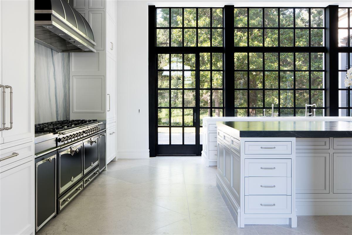 Luxury real estate Crespi Estate