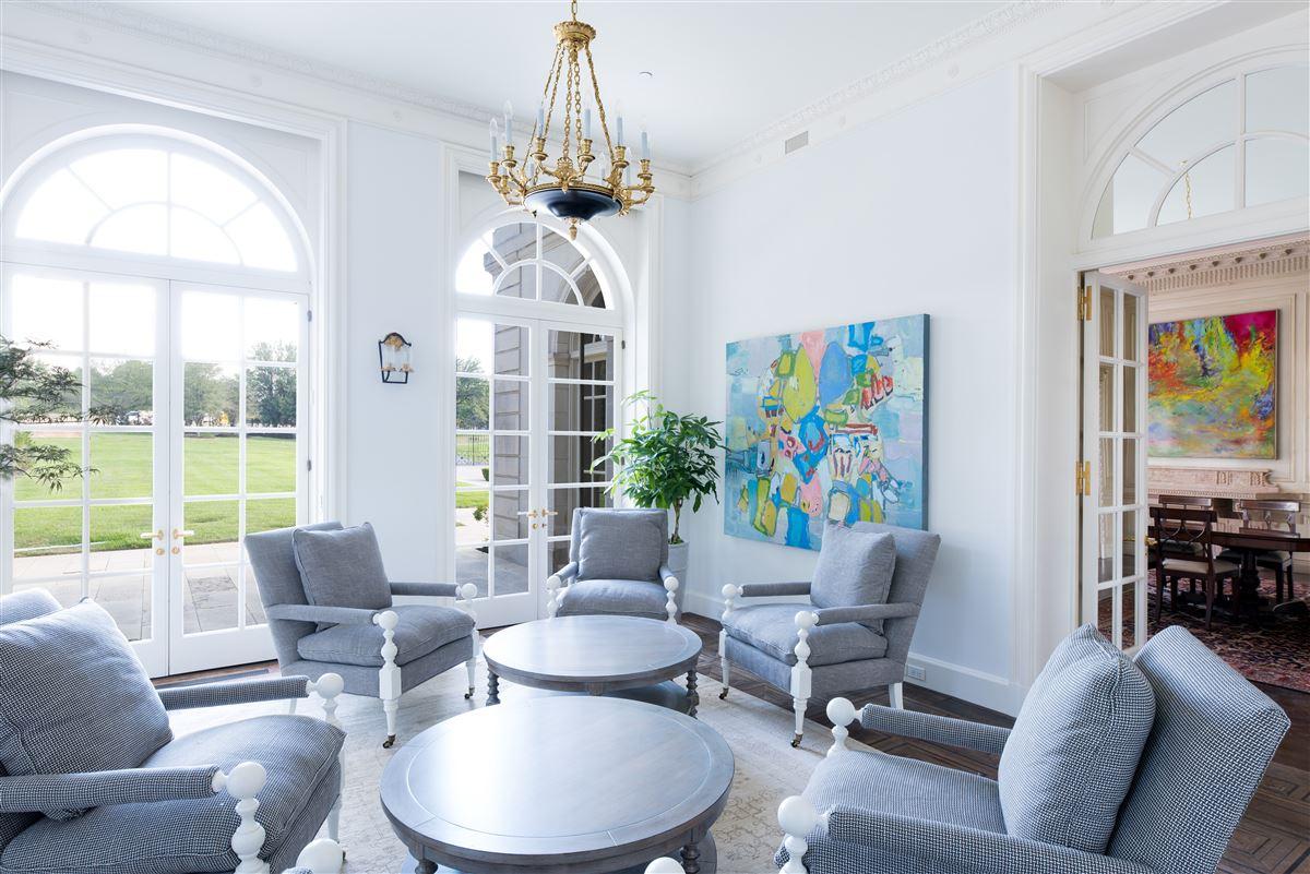 Luxury properties Crespi Estate