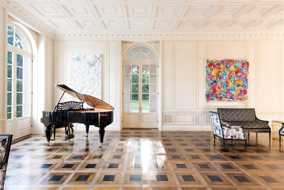 Mansions Crespi Estate
