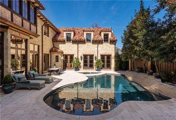 Mansions an exquisite Mediterranean villa
