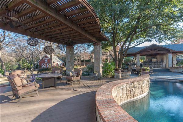 Luxury homes  luxury farmstead estate