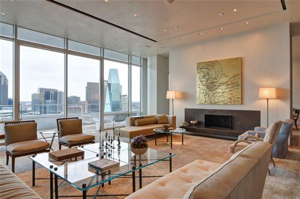 striking 30th floor penthouse mansions