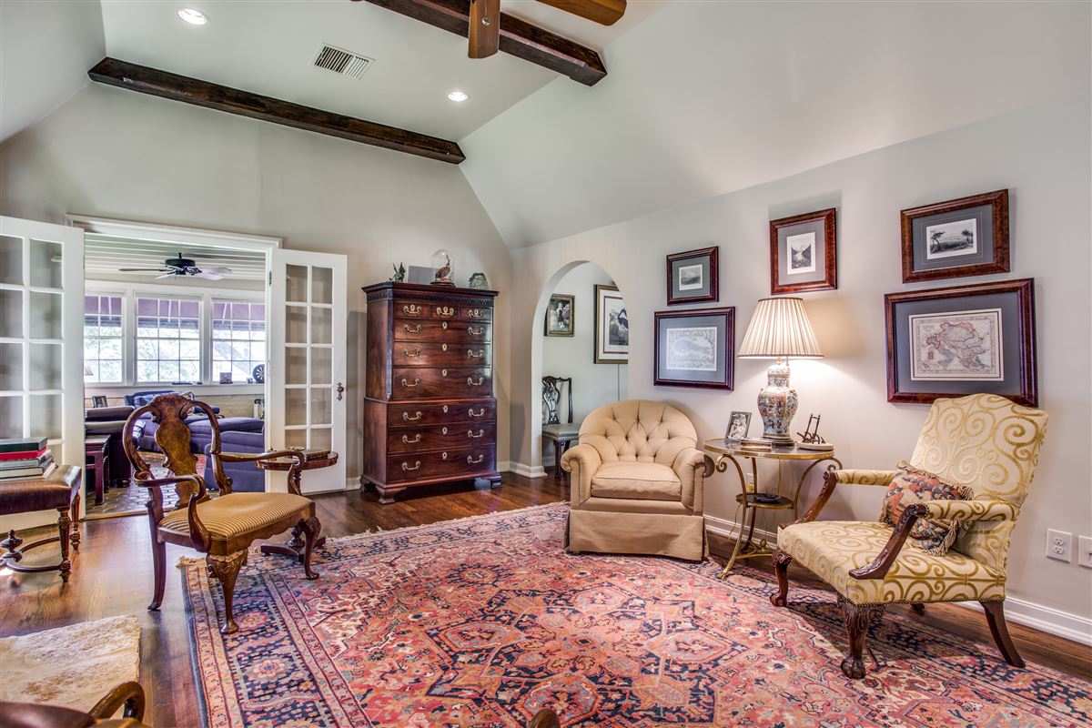 Luxury real estate Updated Classic Park Cities