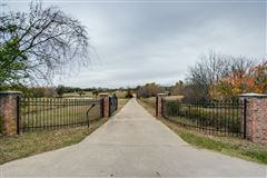 Fabulous private and scenic 12.5 acres luxury properties