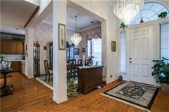Luxury real estate Fabulous private and scenic 12.5 acres