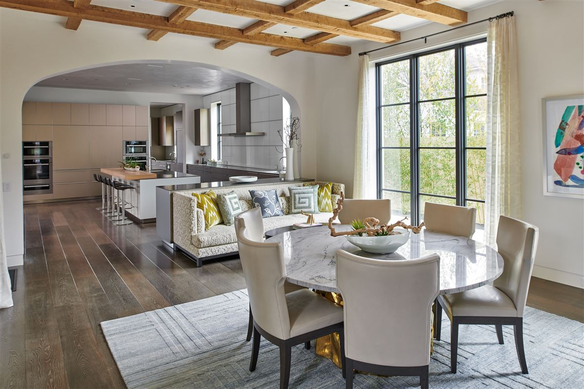 Luxury homes in an exquisite Highland Park custom home