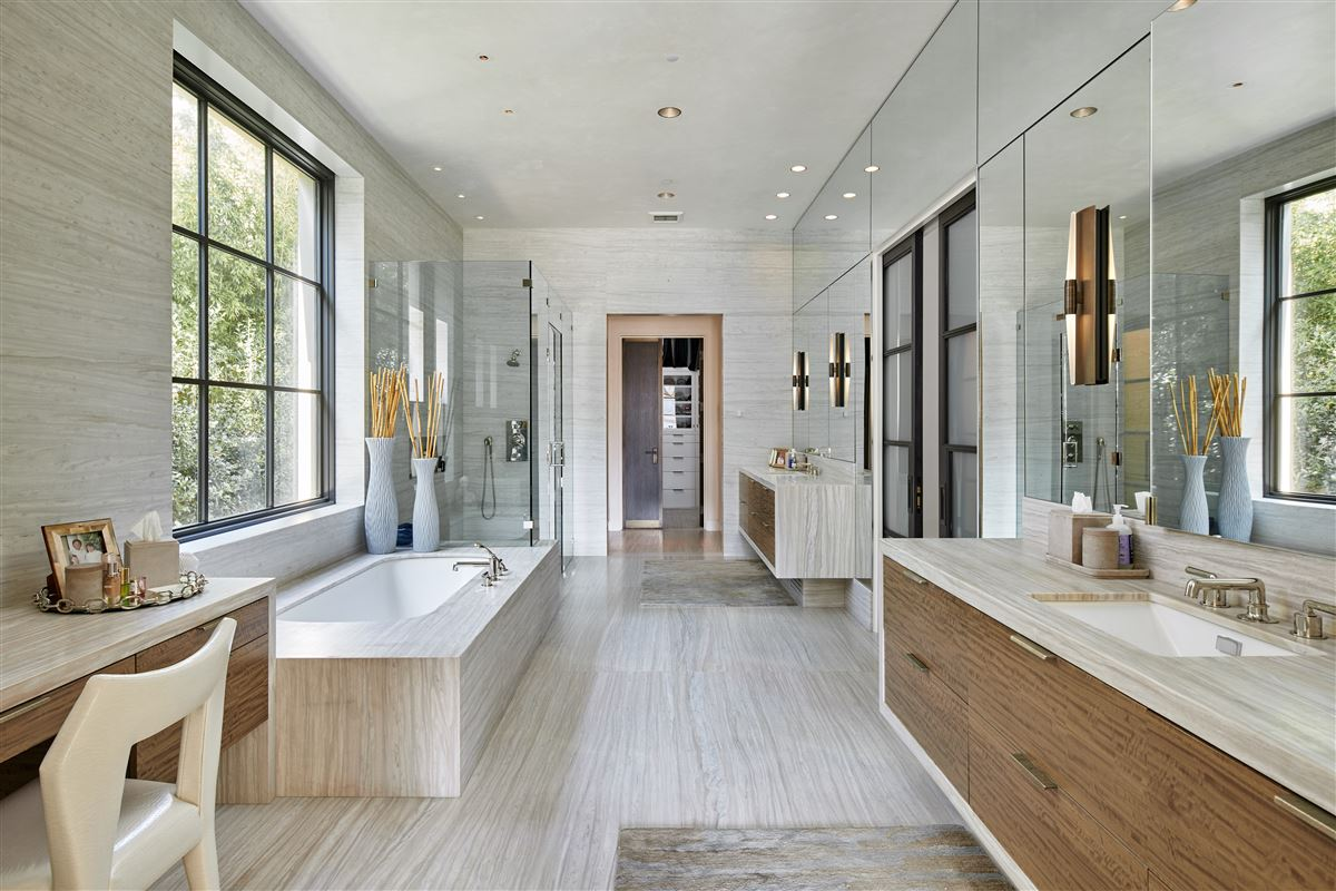 an exquisite Highland Park custom home luxury homes