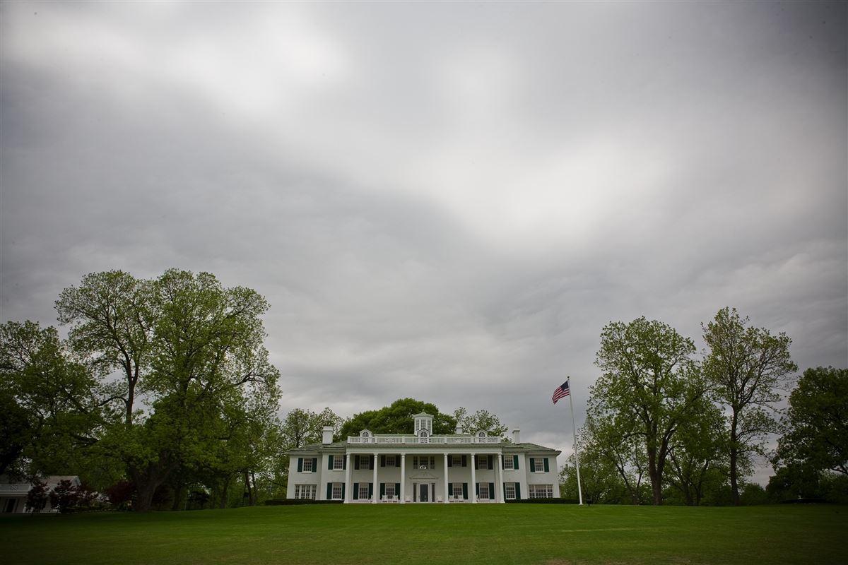 Mansions in Dallas Landmark Mt Vernon on 10 premier acres