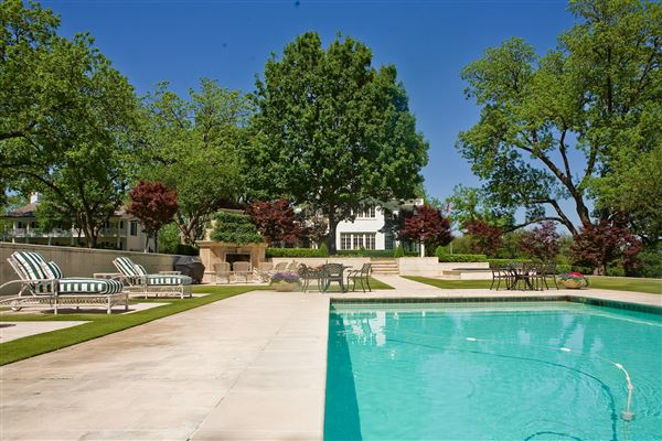 Luxury properties Dallas Landmark Mt Vernon on 10 premier acres