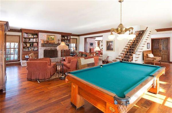 Luxury homes Dallas Landmark Mt Vernon on 10 premier acres