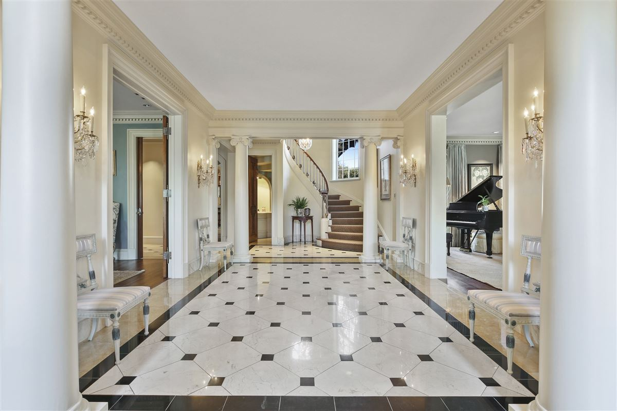 Historical Neoclassical Estate luxury homes