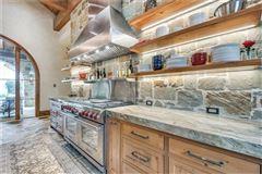 SANTA BARBARA CLASSIC luxury properties