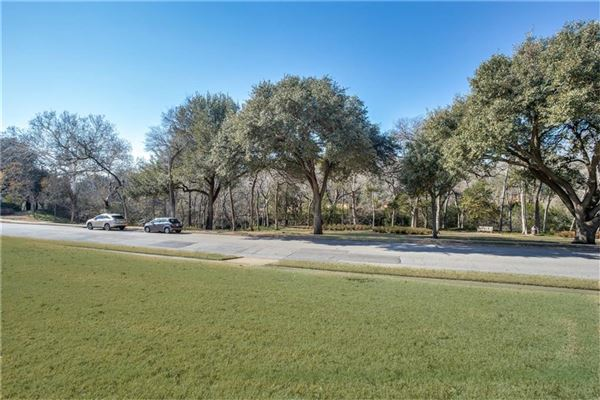 Once in a lifetime opportunity on Lakeside Drive luxury homes