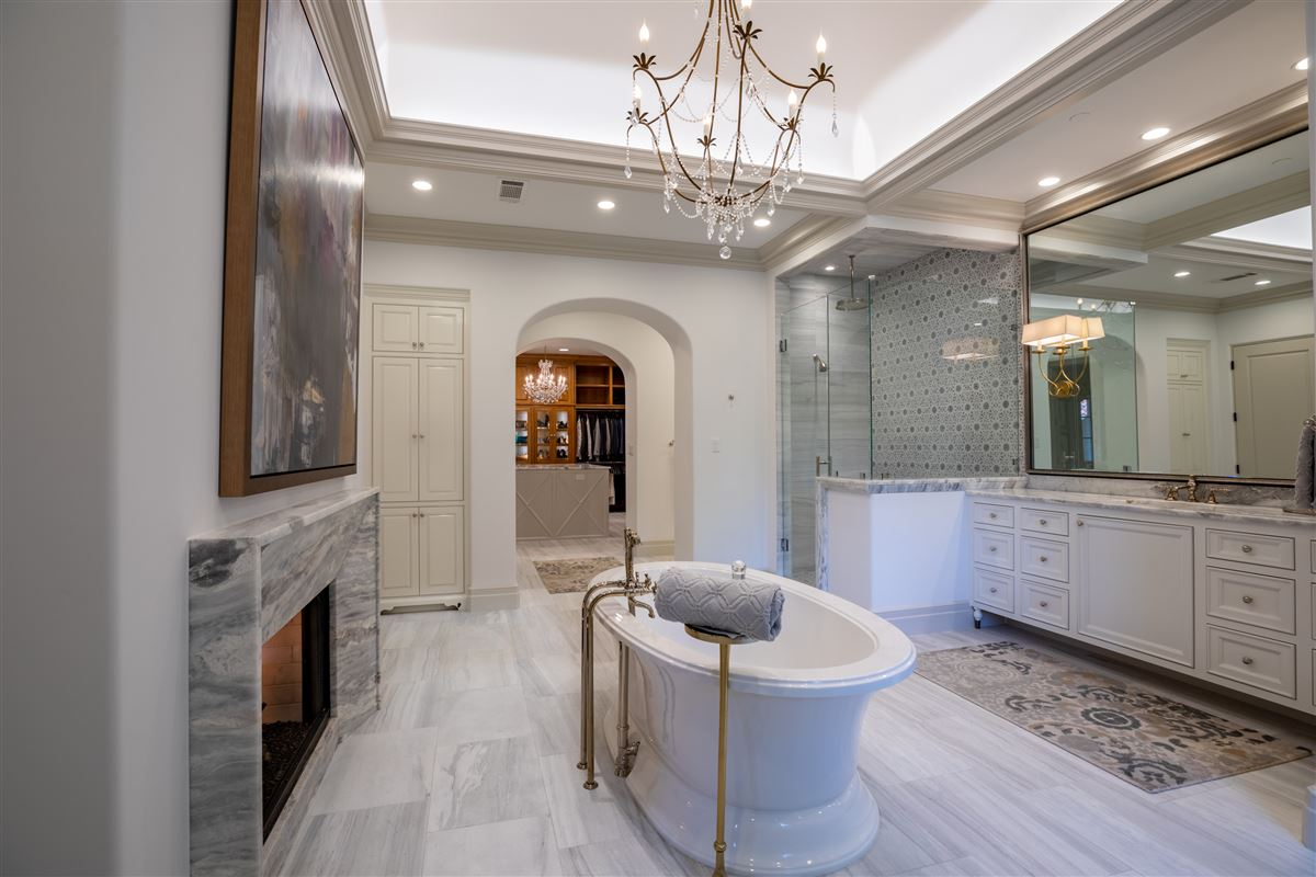 Luxury homes gated and updated dallas retreat