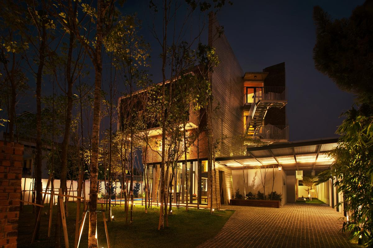 Luxury real estate Innovative Kuala Lumpur gem with city views