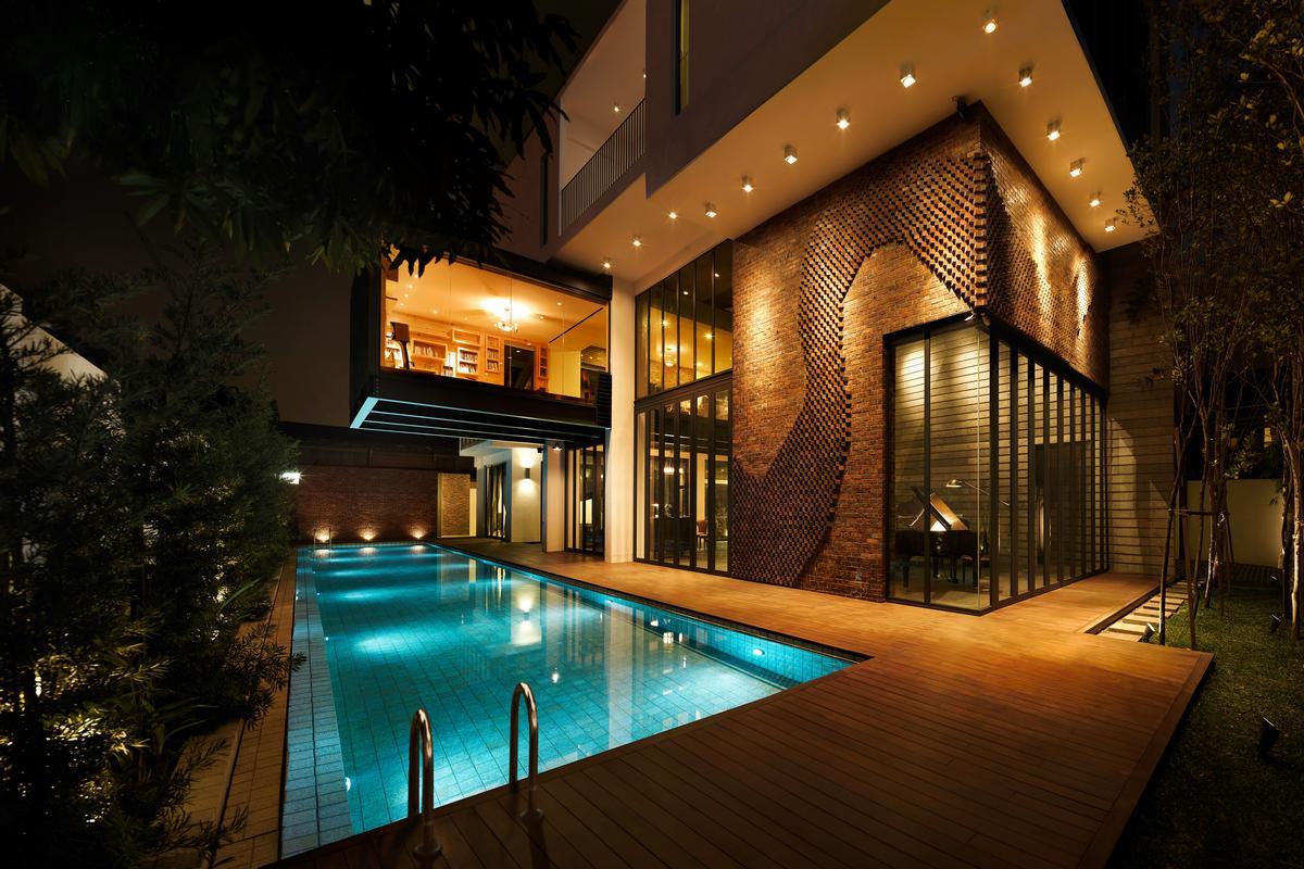 Innovative Kuala Lumpur gem with city views luxury homes