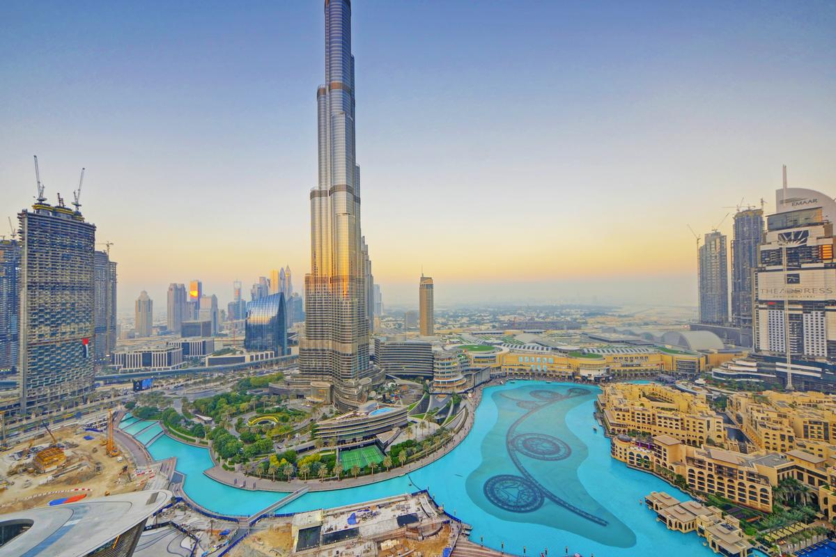 Luxury real estate PENTHOUSE OVERLOOKING THE BURJ KHALIFA