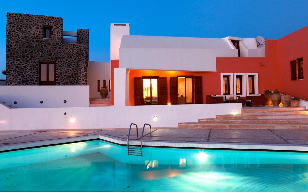 Luxury real estate luxury villa in Santorini