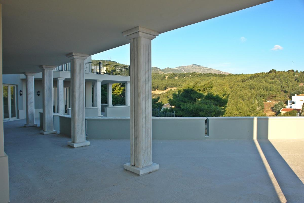 Mansions in Luxury villa in Politeia Athens